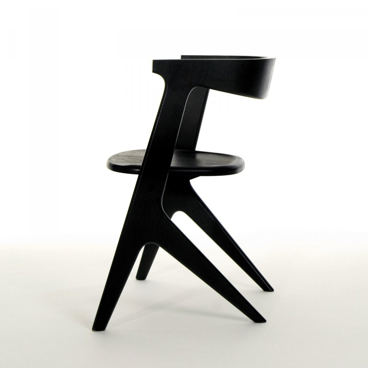 Slab Chair, black, side view.