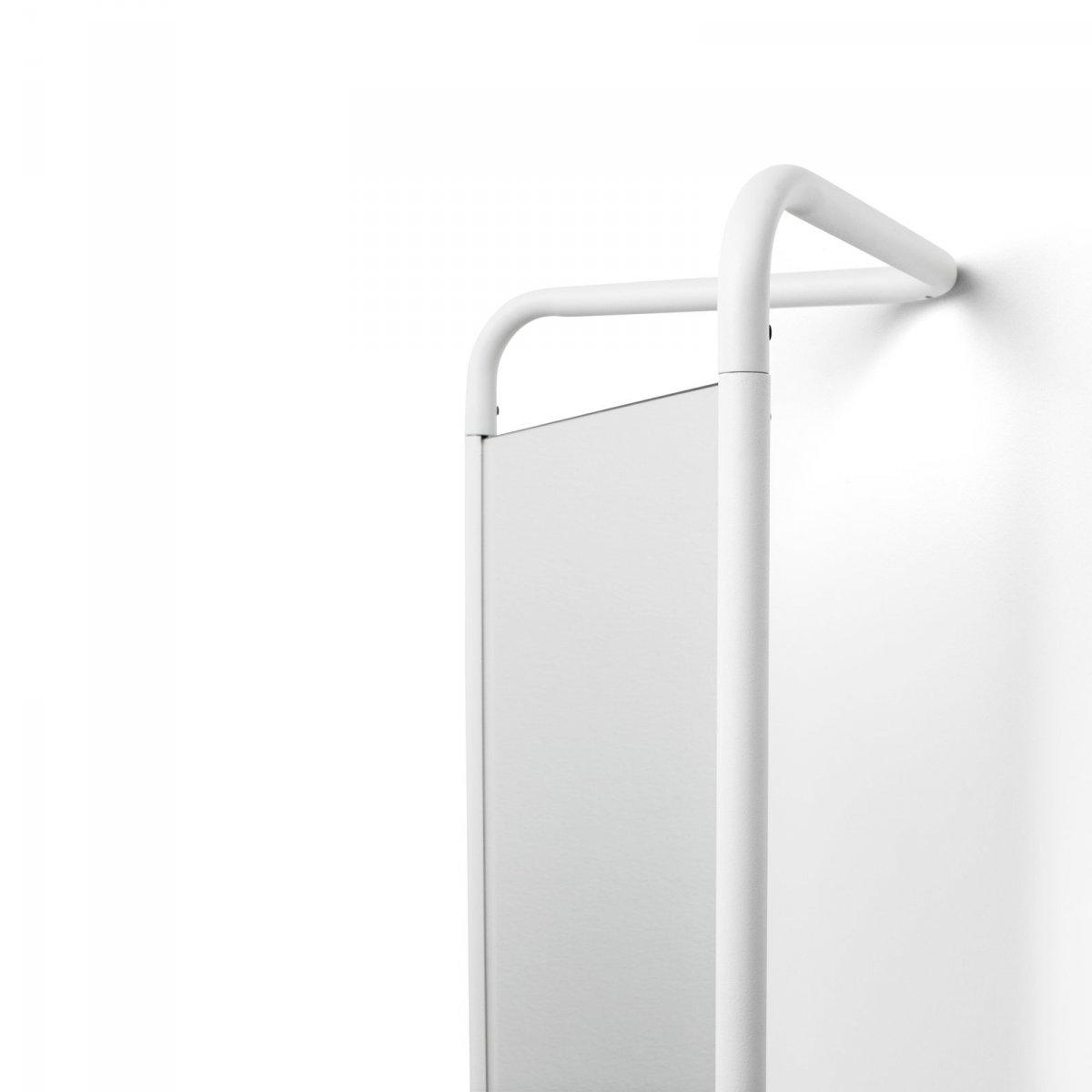 Kaschkasch Floor Mirror, white, detail.