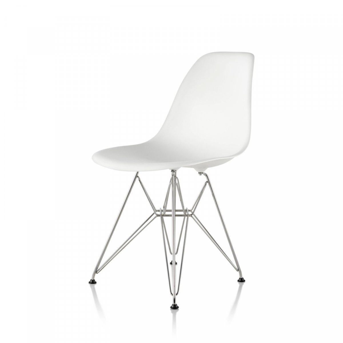 Eames Molded Plastic Side Chair Wire Base, white seat and back, trivalent chrome base.