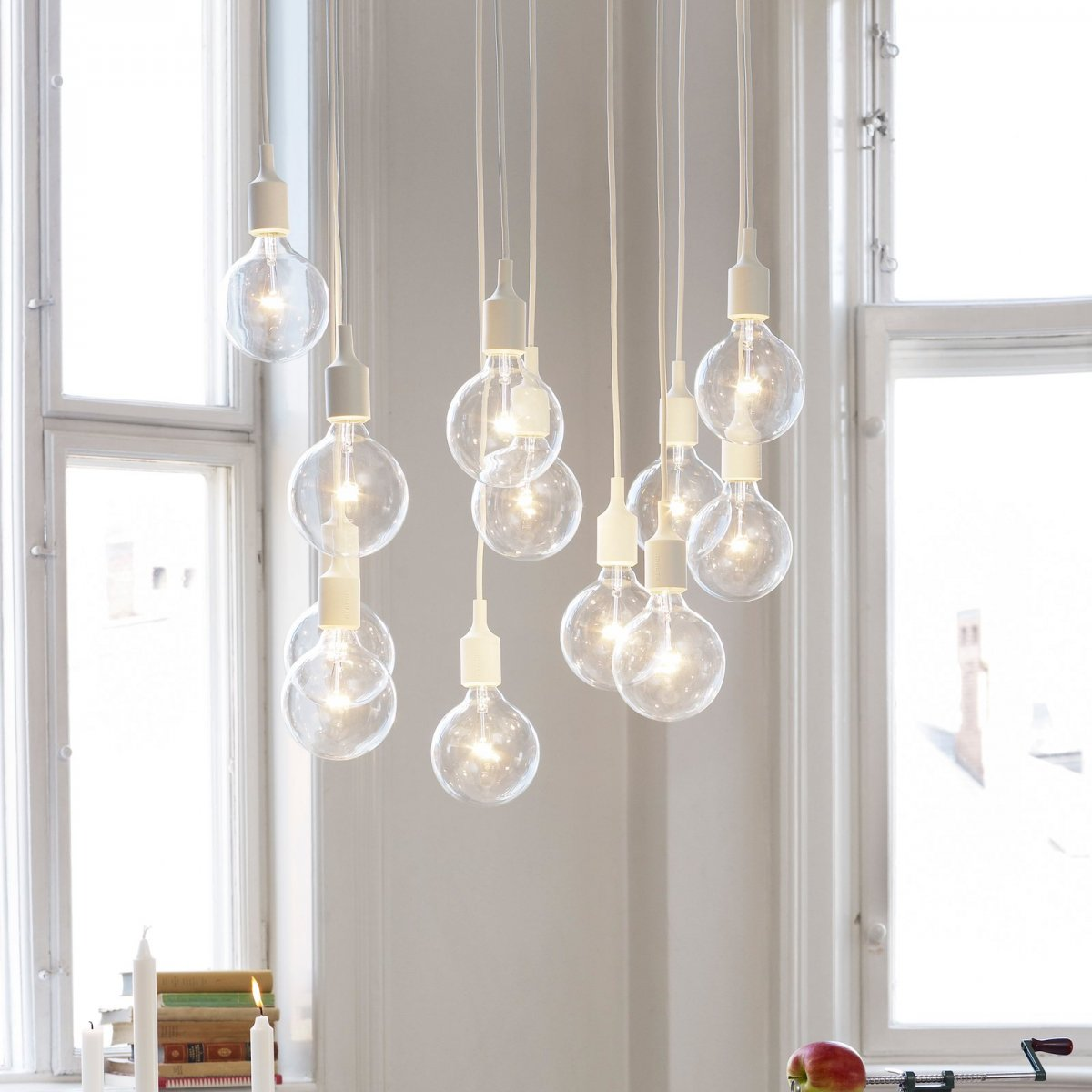E27 Pendant Lamp, white.