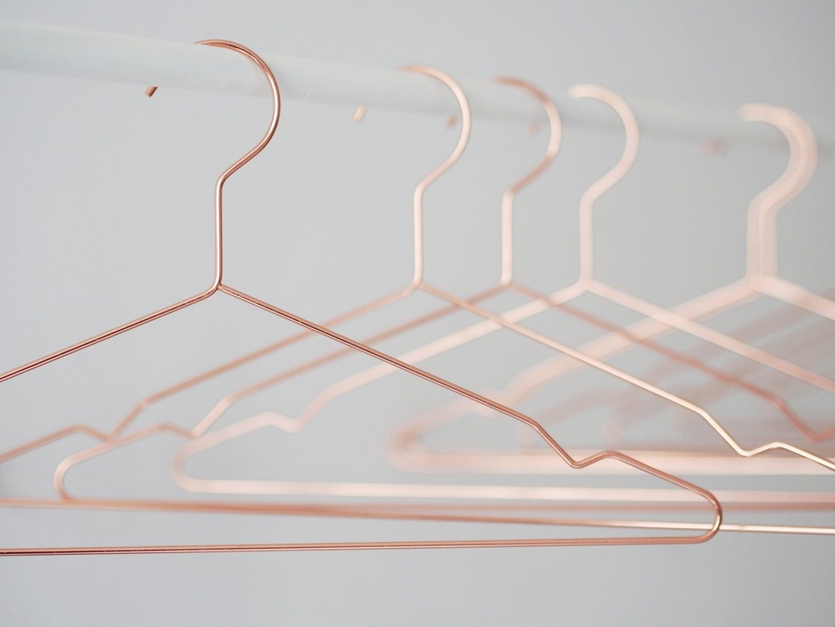 Hang clothes hanger, copper. © Jenni Rotonen.
