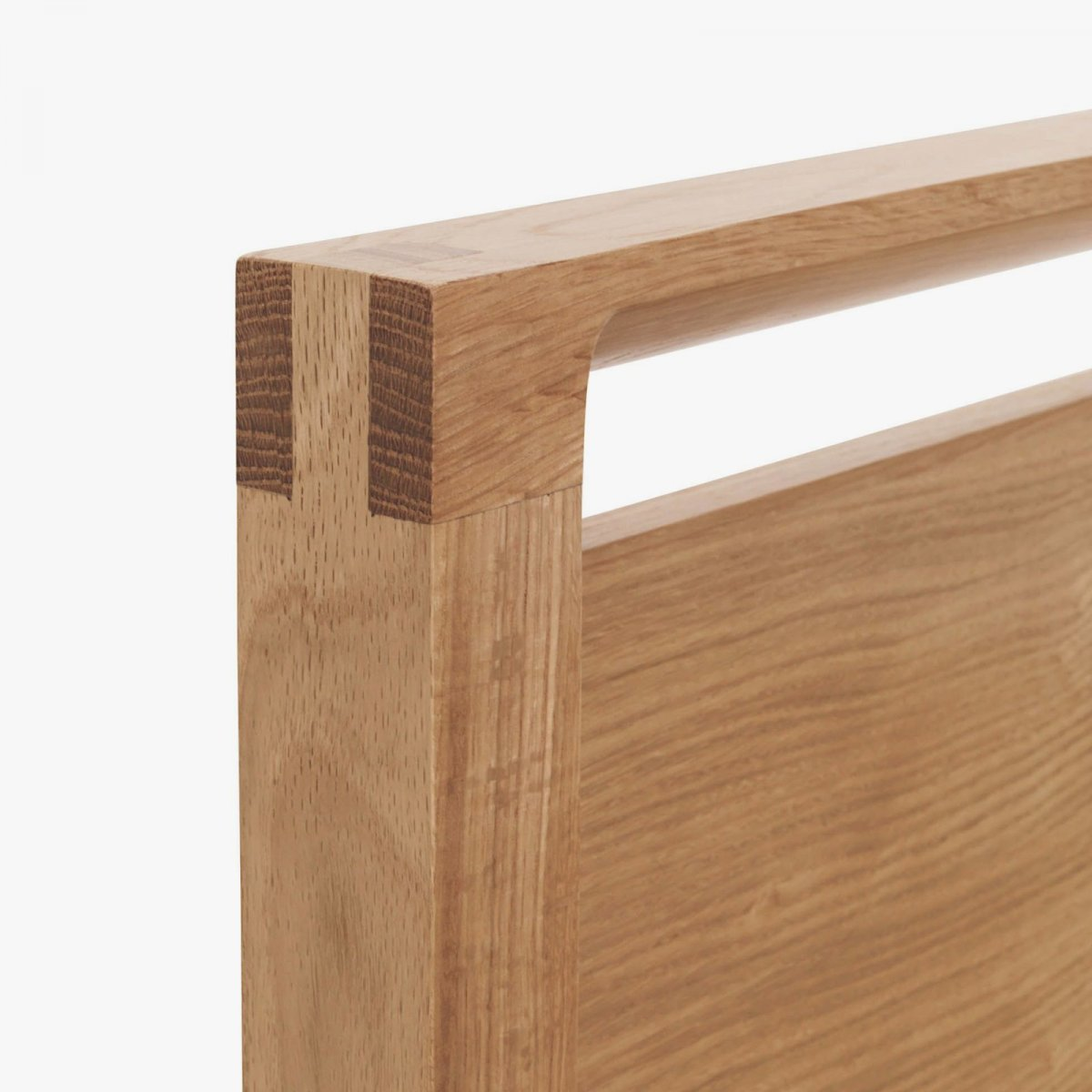 Matera Bed with Storage, oak, detail.