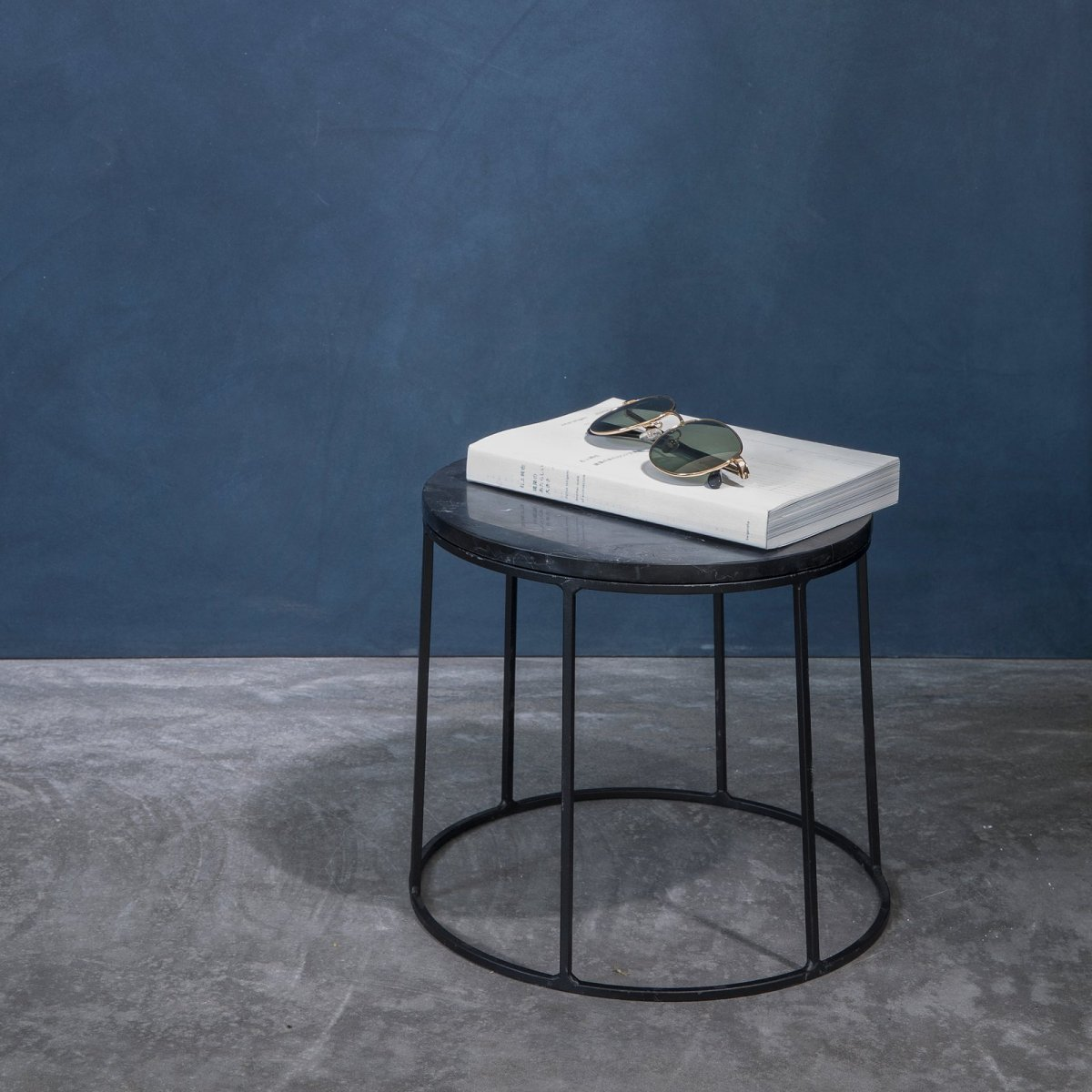 Wire Marble Top and Base, black, small.