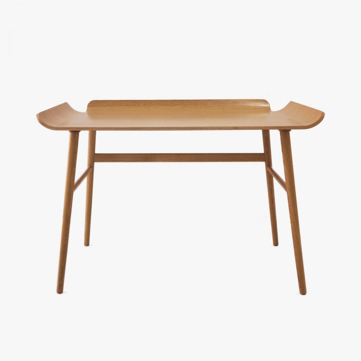 Alto desk, oak.