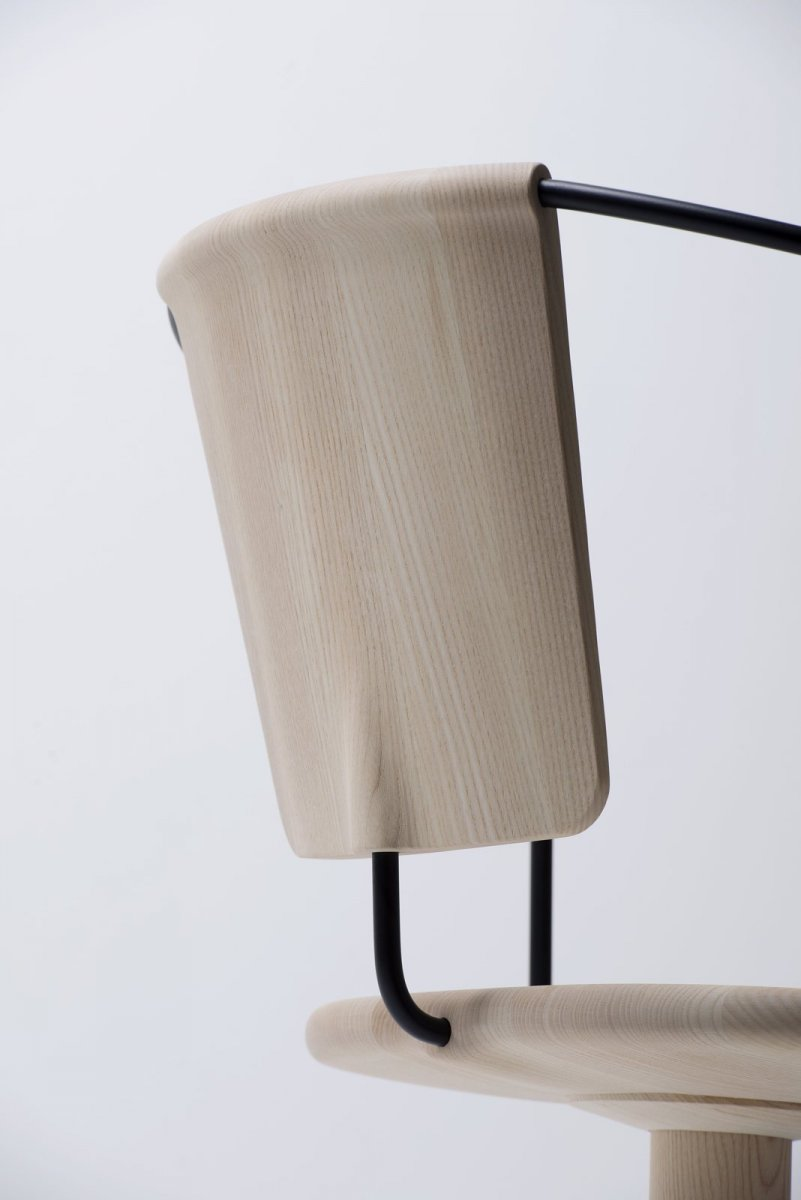 Uncino Version B swivel chair, detail.