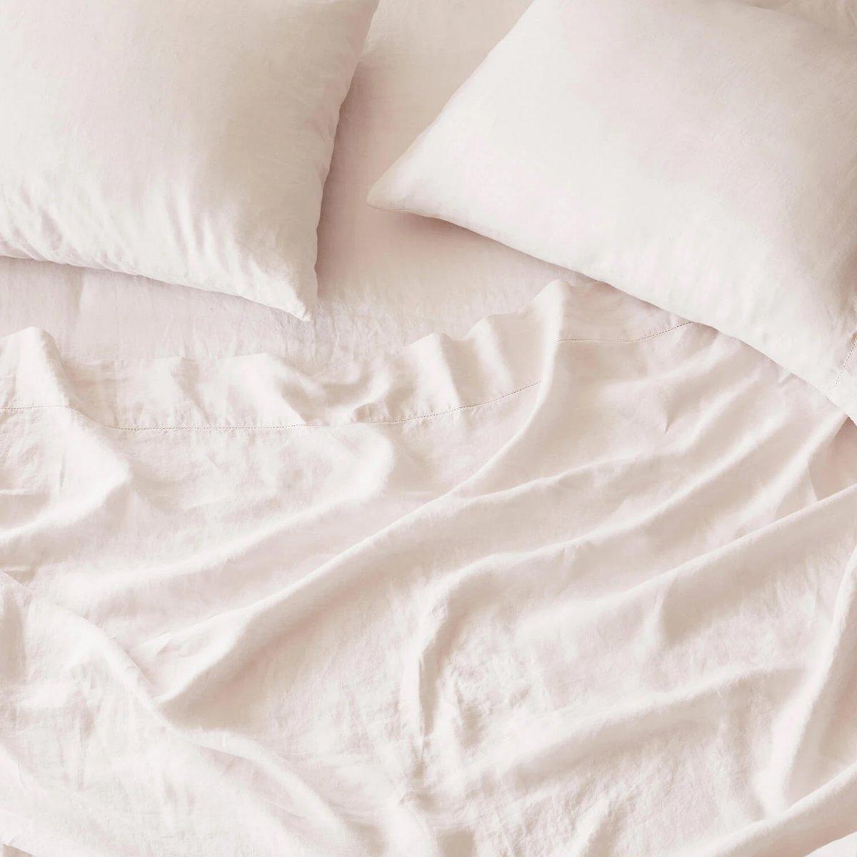 Stonewashed Linen Bed Bundle, blush.
