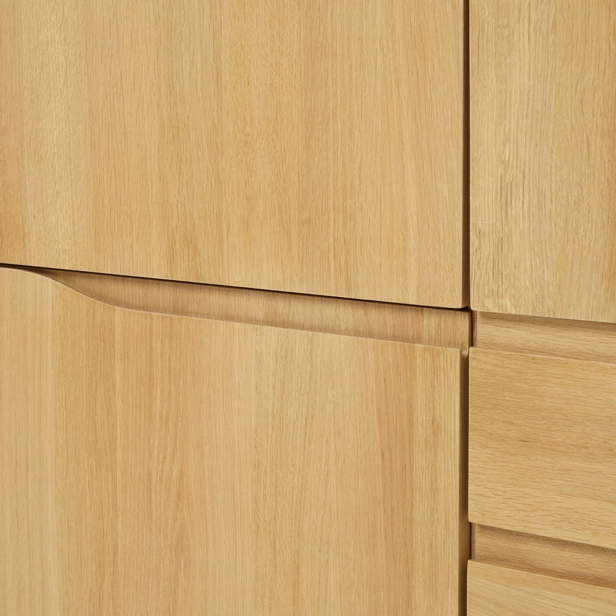 Romana Highboard, detail.