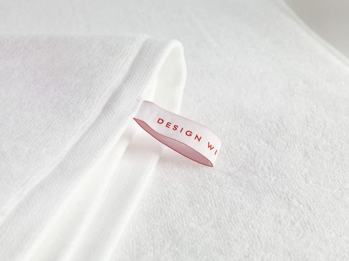 DWR Aerocotton Towel, white, detail.