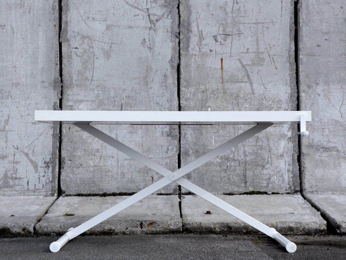 X-Table, white.