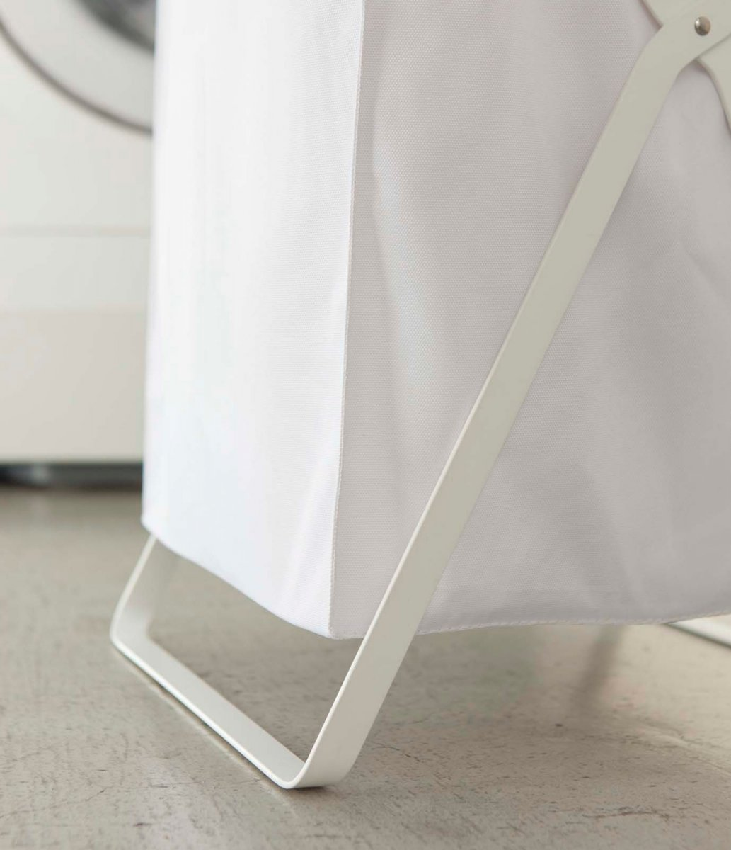 Tower Laundry Basket, white, detail.