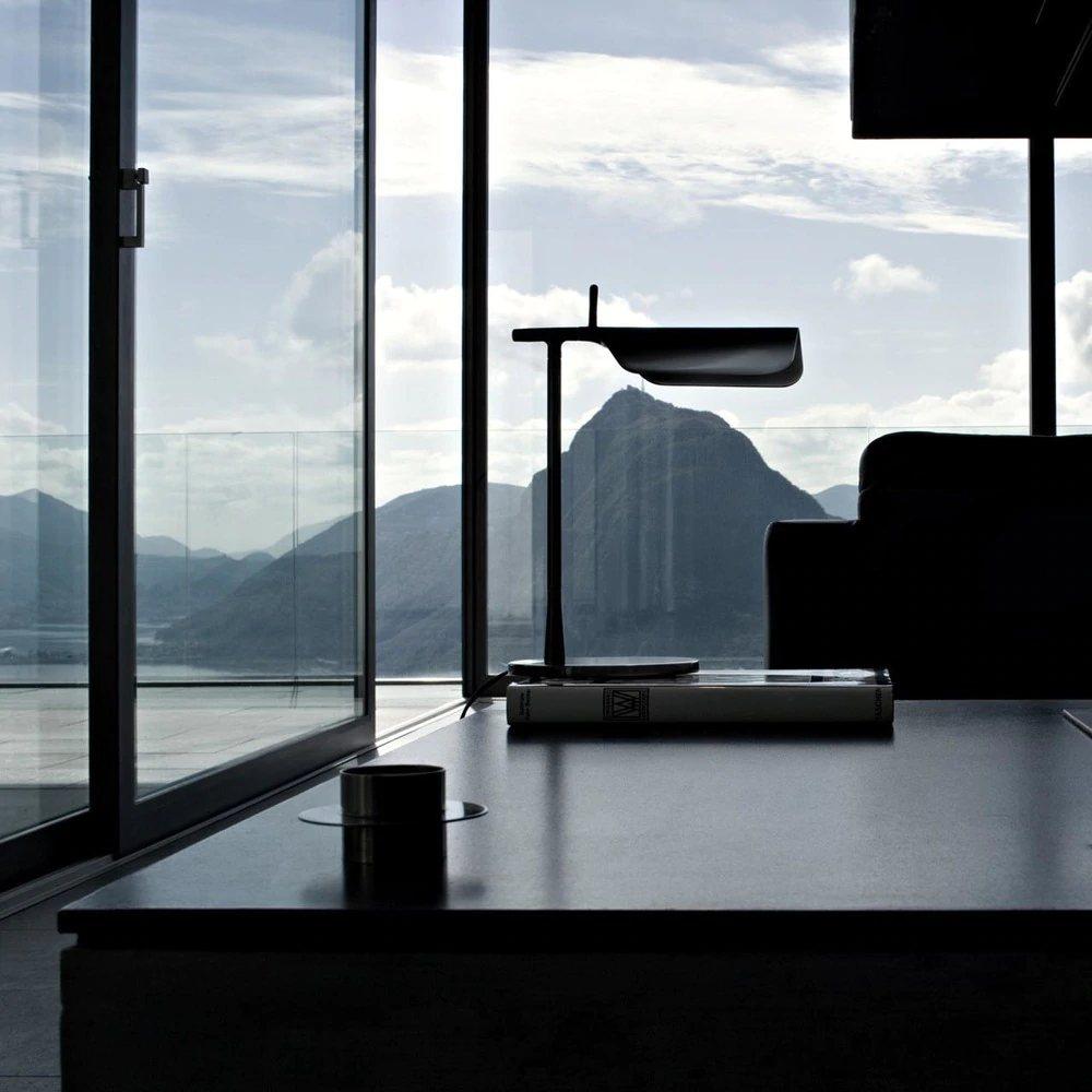 Tab Table lamp, black.