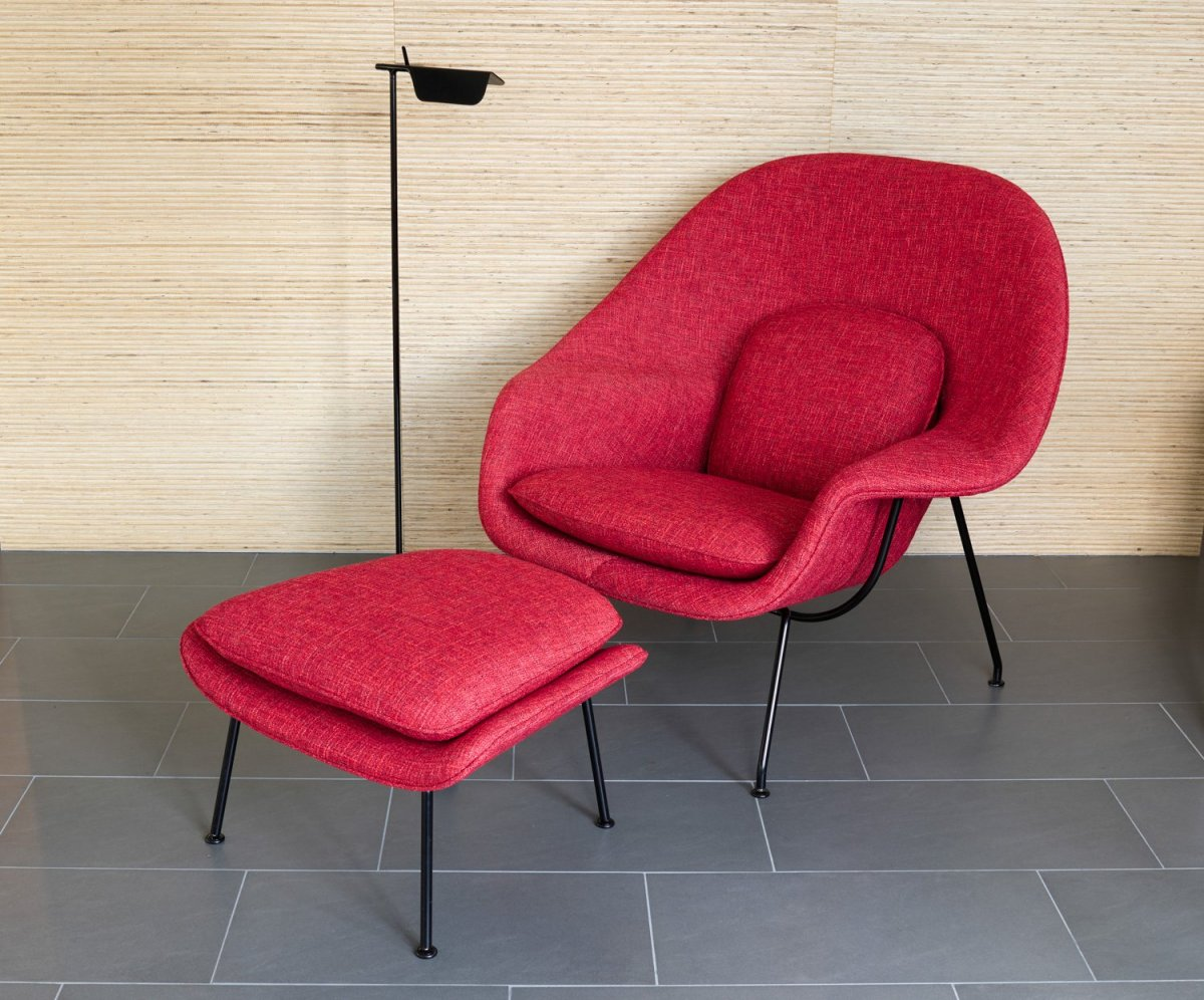 womb chair with ottoman by eero saarinen for knoll up. Black Bedroom Furniture Sets. Home Design Ideas
