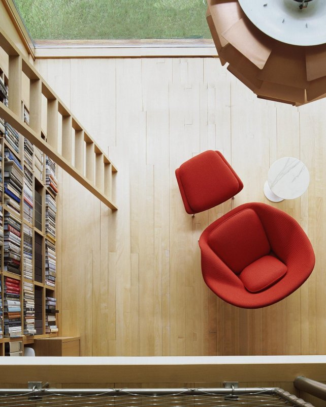 Womb Chair with Ottoman, top view.