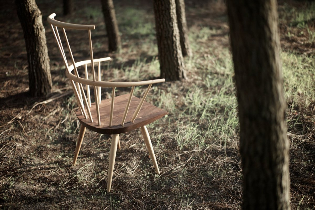 359 Kimble Windsor Chair, side view.