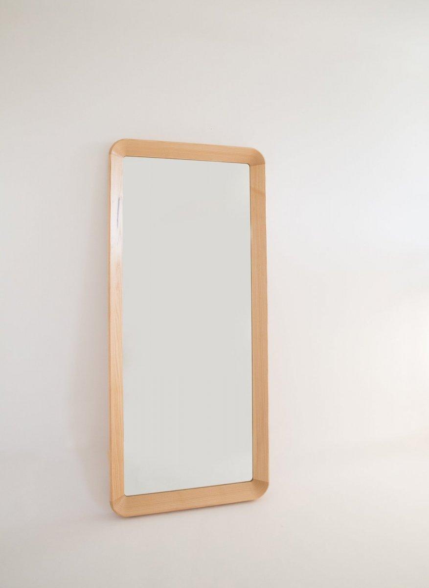 Simple Mirror.