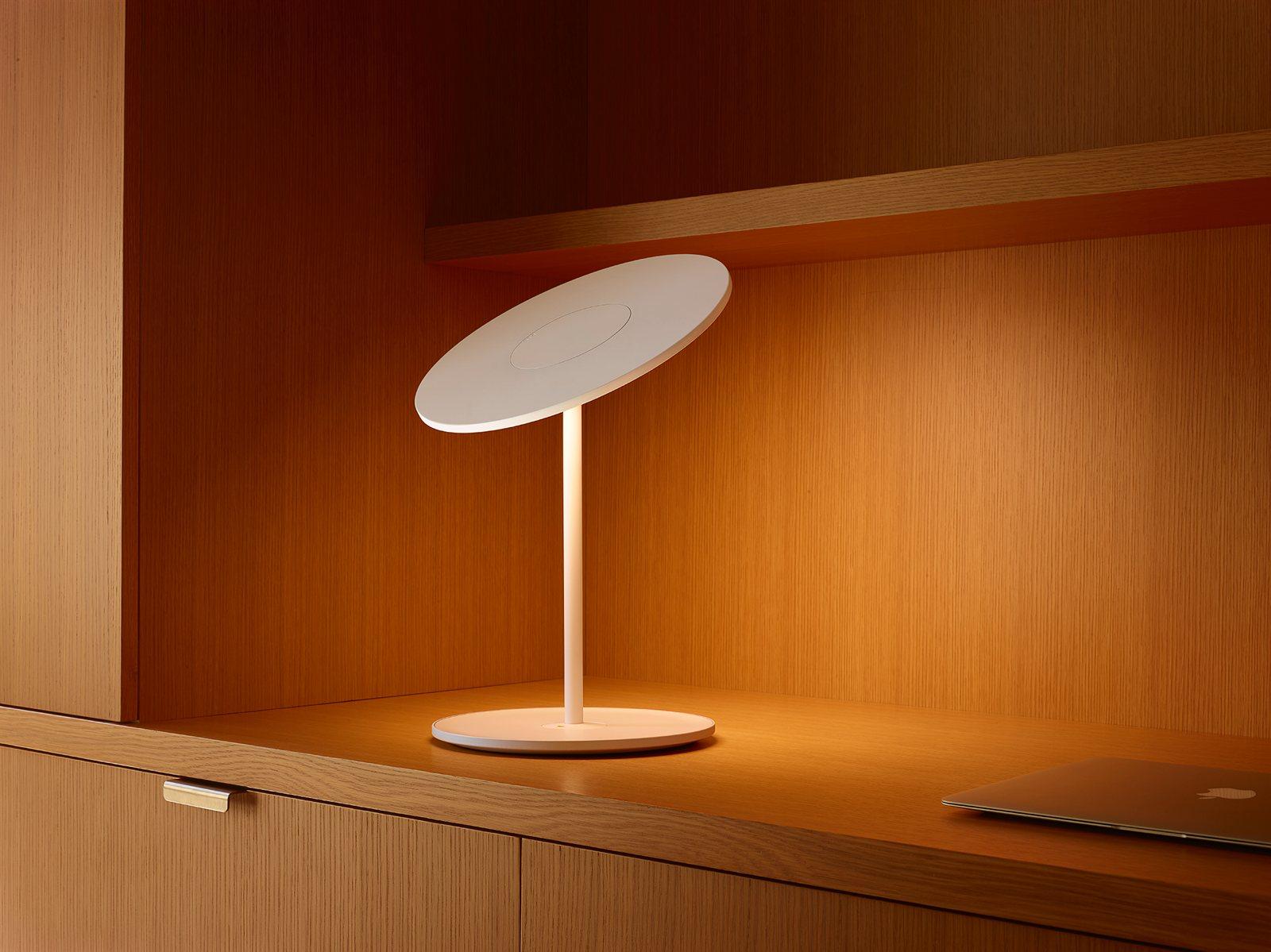 Circa Table lamp, white.