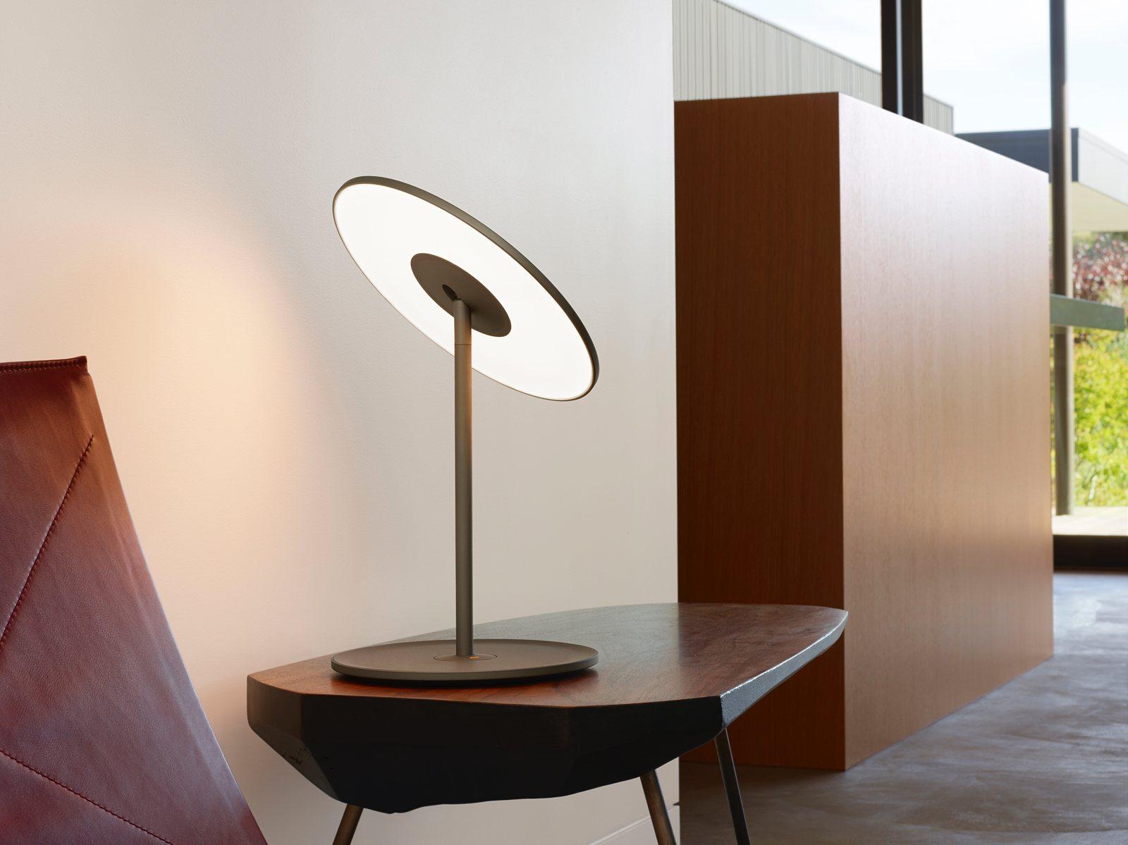 Circa Table lamp, graphite.