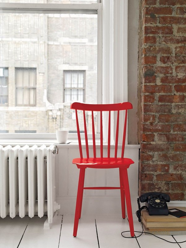 Chair Ironica, red.
