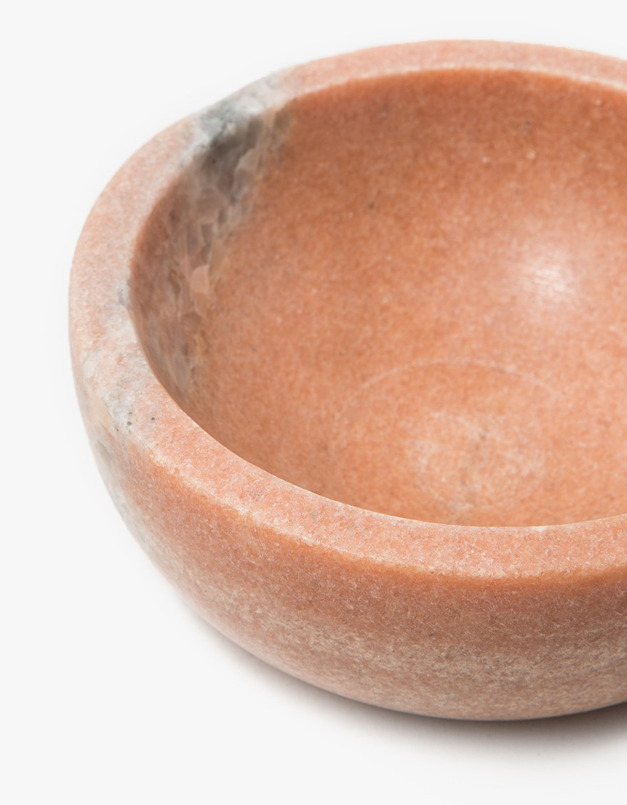 Mara Serving Collection - Medium Bowl Pink, detail.
