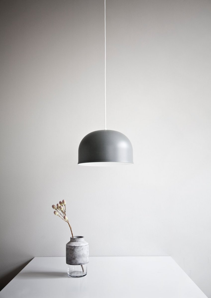 GM 30 Pendant, basalt gray.