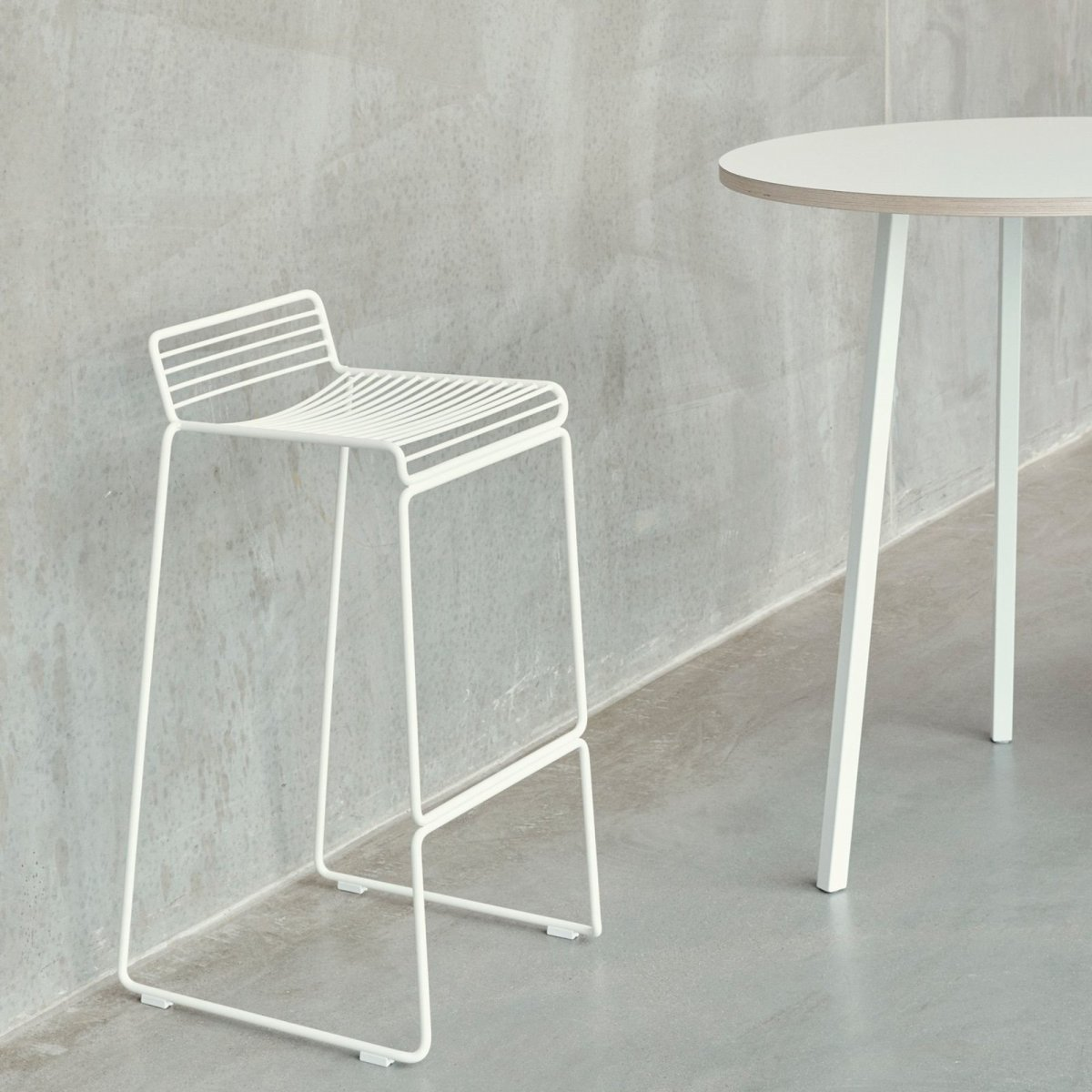 Hee Bar Stool, white.