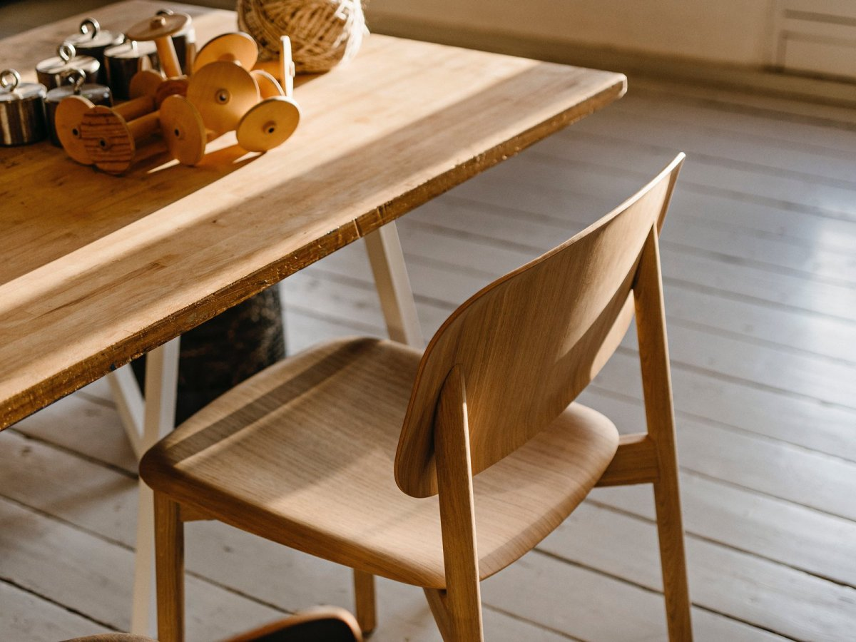 Soft Edge 12 Side Chair, oak.