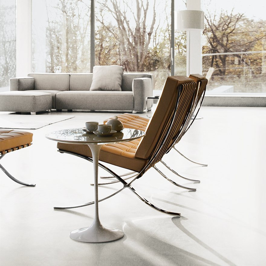 Saarinen Round Side Table.