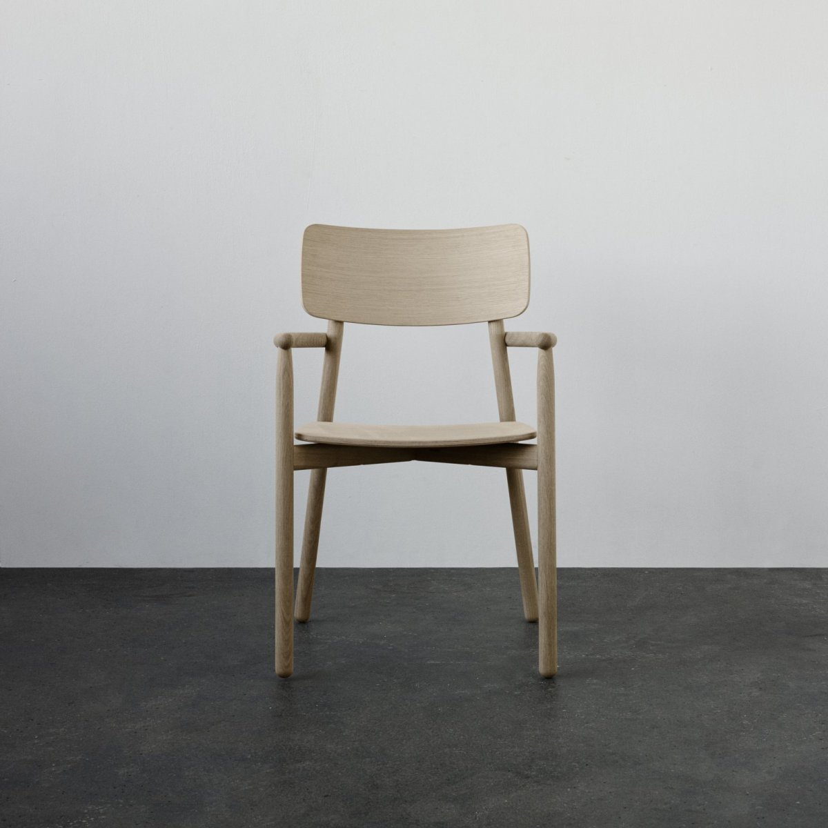 Hven Armchair, oak, front view.