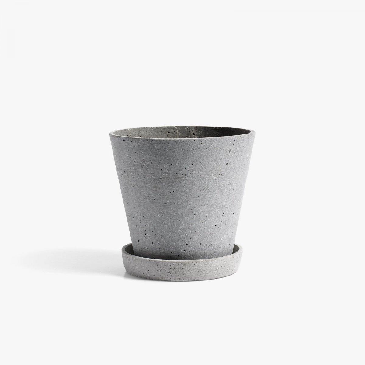 Flowerpot with Saucer, gray.