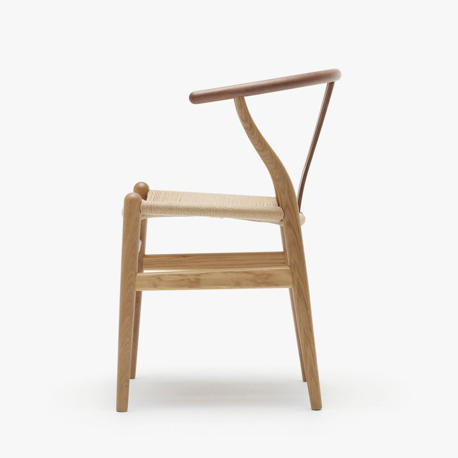 CH24 Wishbone Chair, side view.