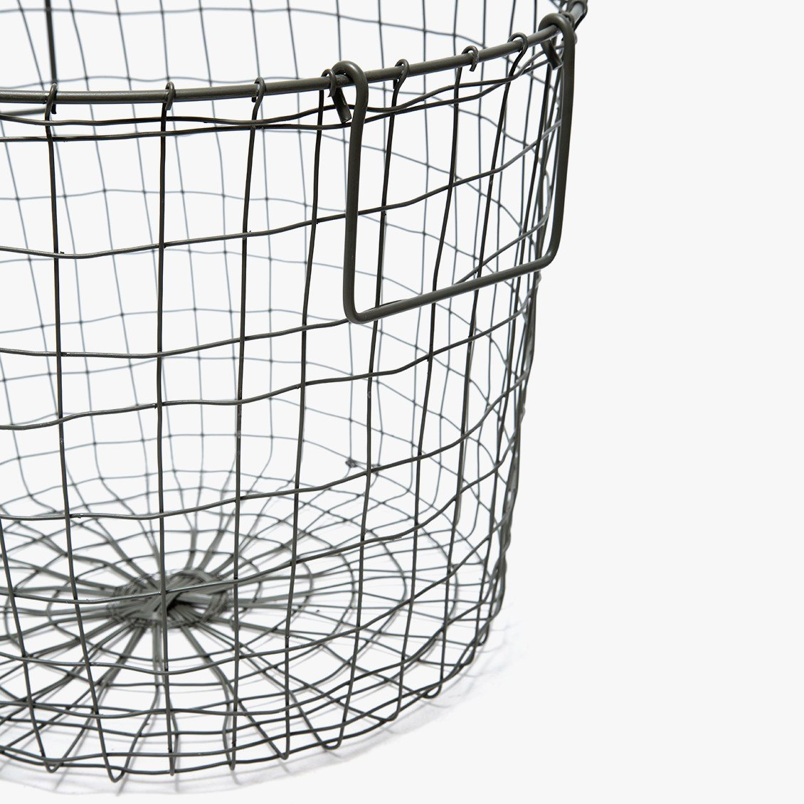 Round Basket (L), detail.
