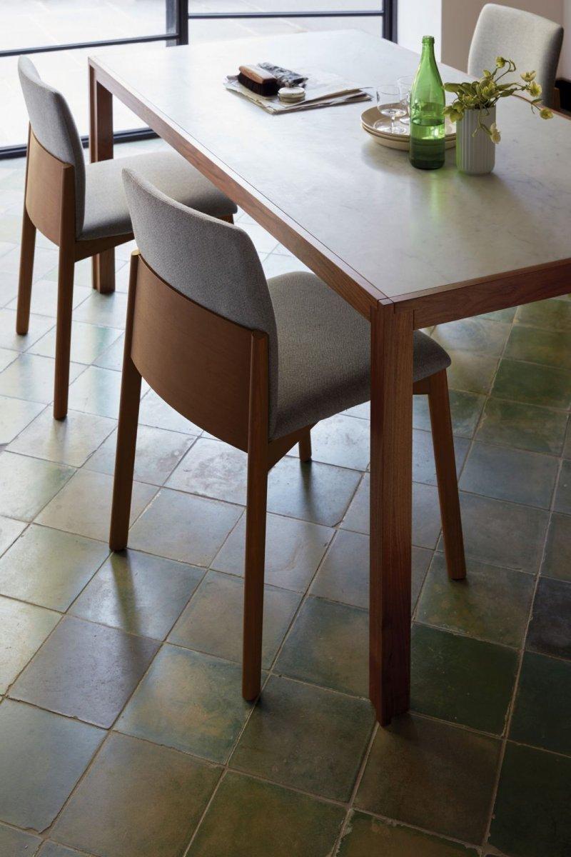 Doubleframe Table, Carrara/Walnut.