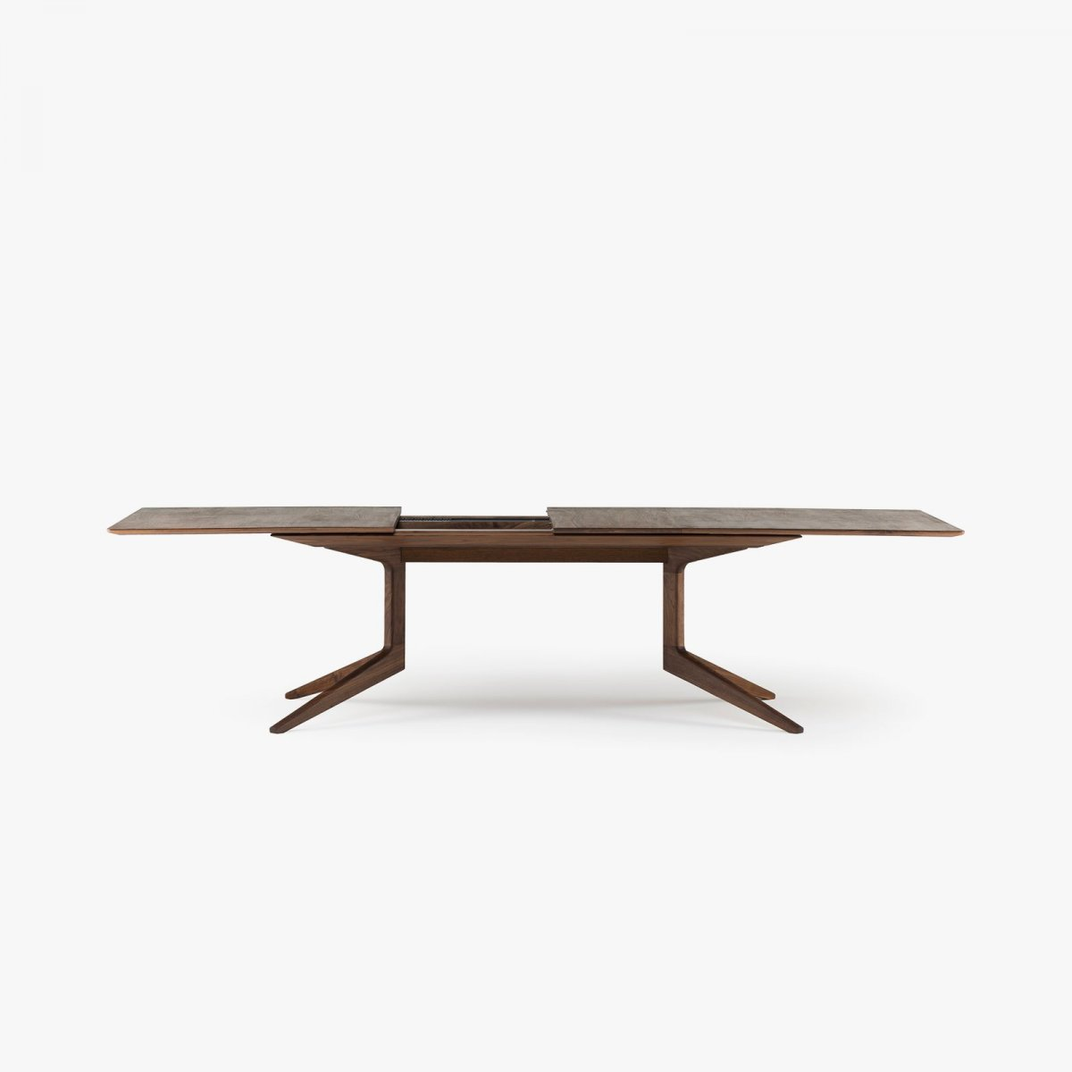 341E Light Extending Table in Danish oiled walnut, opened.