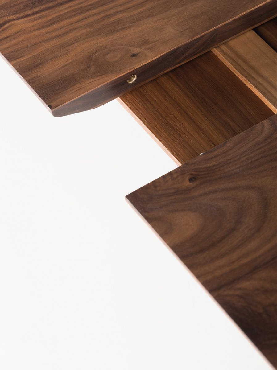 341E Light Extending Table, detail.