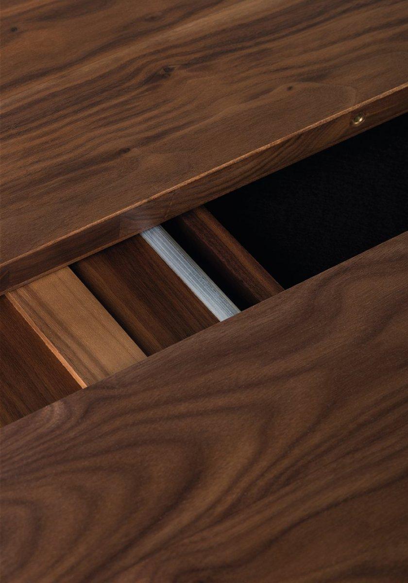 341E Light Extending Table, detail.