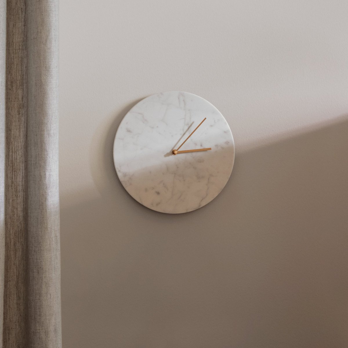 Marble Wall Clock, white.