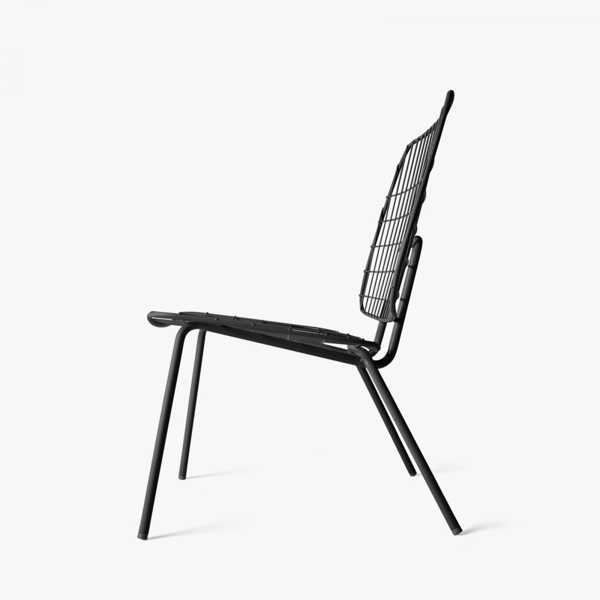 WM String Lounge Chair, black, side view.