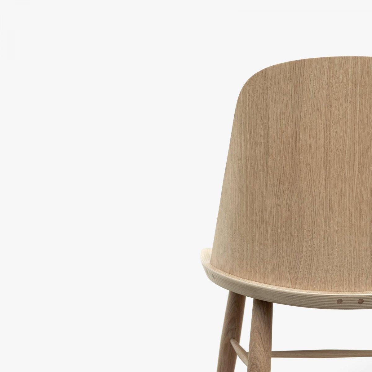 Synnes Chair, natural oak, detail.
