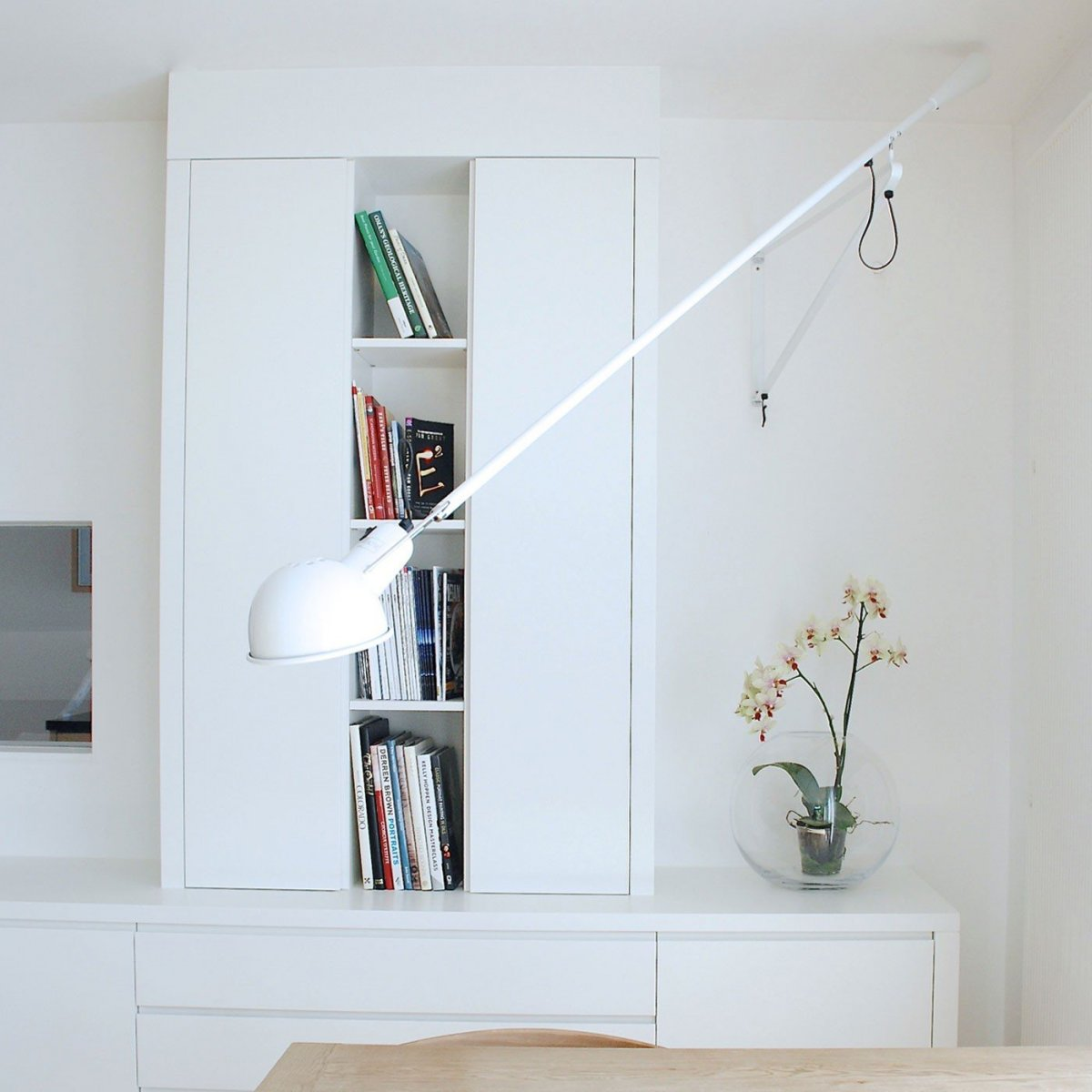 265 wall lamp, white.
