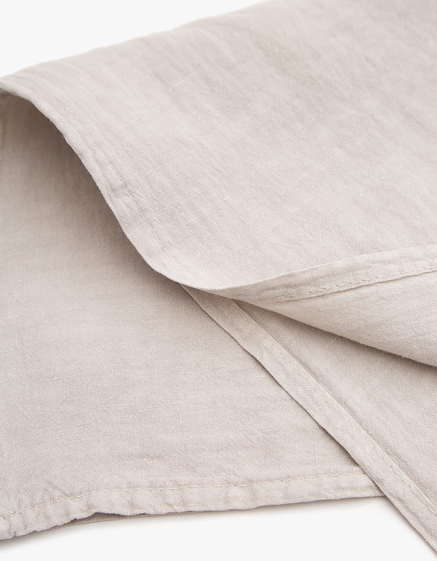 Simple Linen Napkin, light gray, detail.