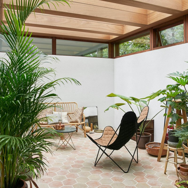 Japanese-Nordic sunroom. Home of Barbara Hvidt and Jan Gleie
