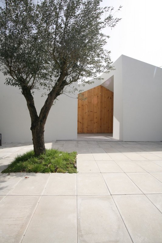 Contemporary patio. Casa Lela by Oficina d'Arquitectura