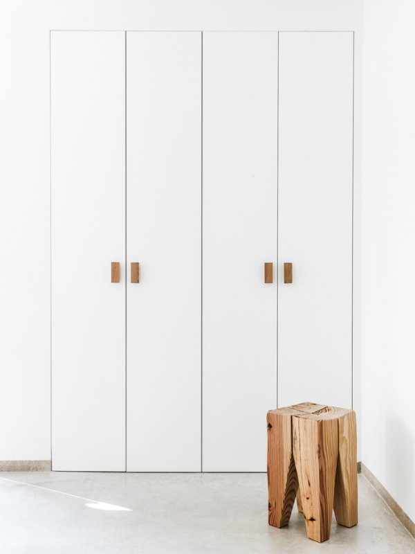 Minimal closet. Son Juliana by Munarq