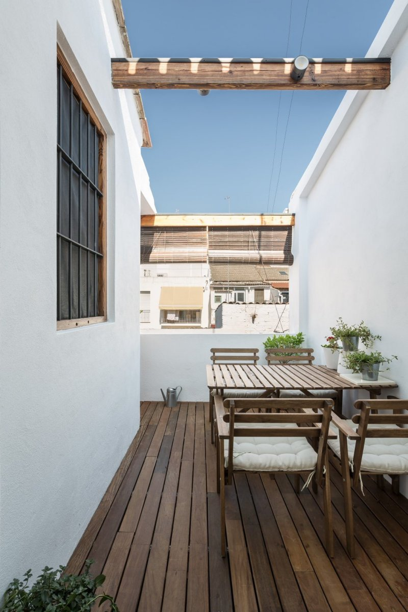 Open sky terrace. Loft in El Cabañal by Ambau