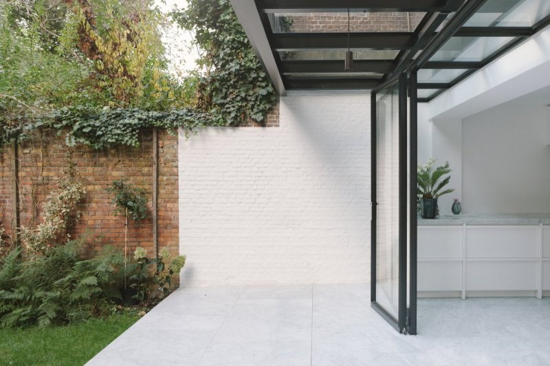 Covered patio. House F Antwerp by Hans Verstuyft Architecten