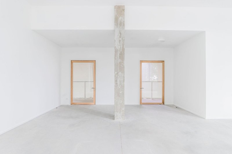 Concrete column. Charles Malis by MAMOUT architectes, LD2 and Stéphanie Willocx Architecte