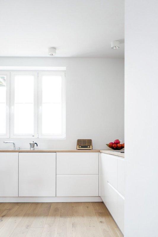 Bright contemporary kitchen. House in Pogodno 3 by Loft Kolasiński