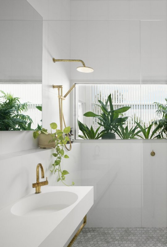 Nature inspired bathroom. Halo House by Breathe Architecture