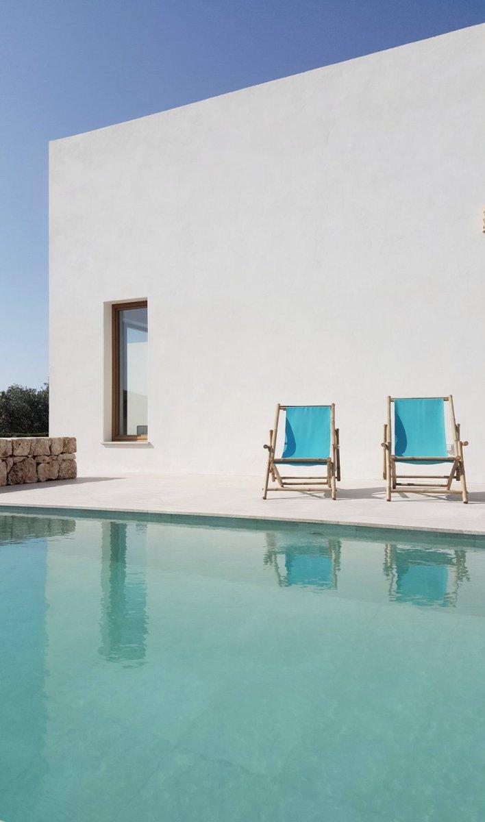 Mediterranean patio with pool. PI House by Munarq