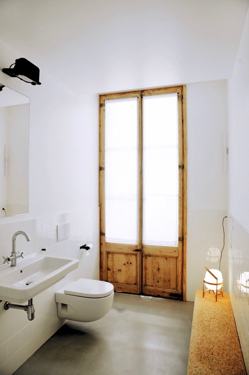 Washroom with French window. Rec Comptal by Conti, Cert